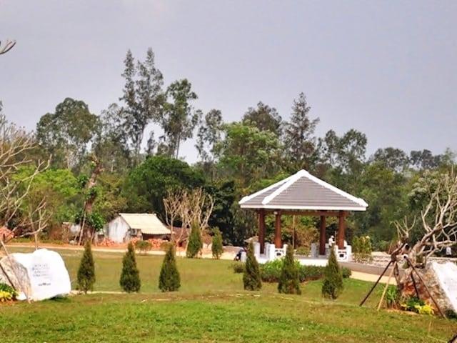 Khuôn viên Tượng Đài Mẹ Thứ (Ảnh sưu tầm)