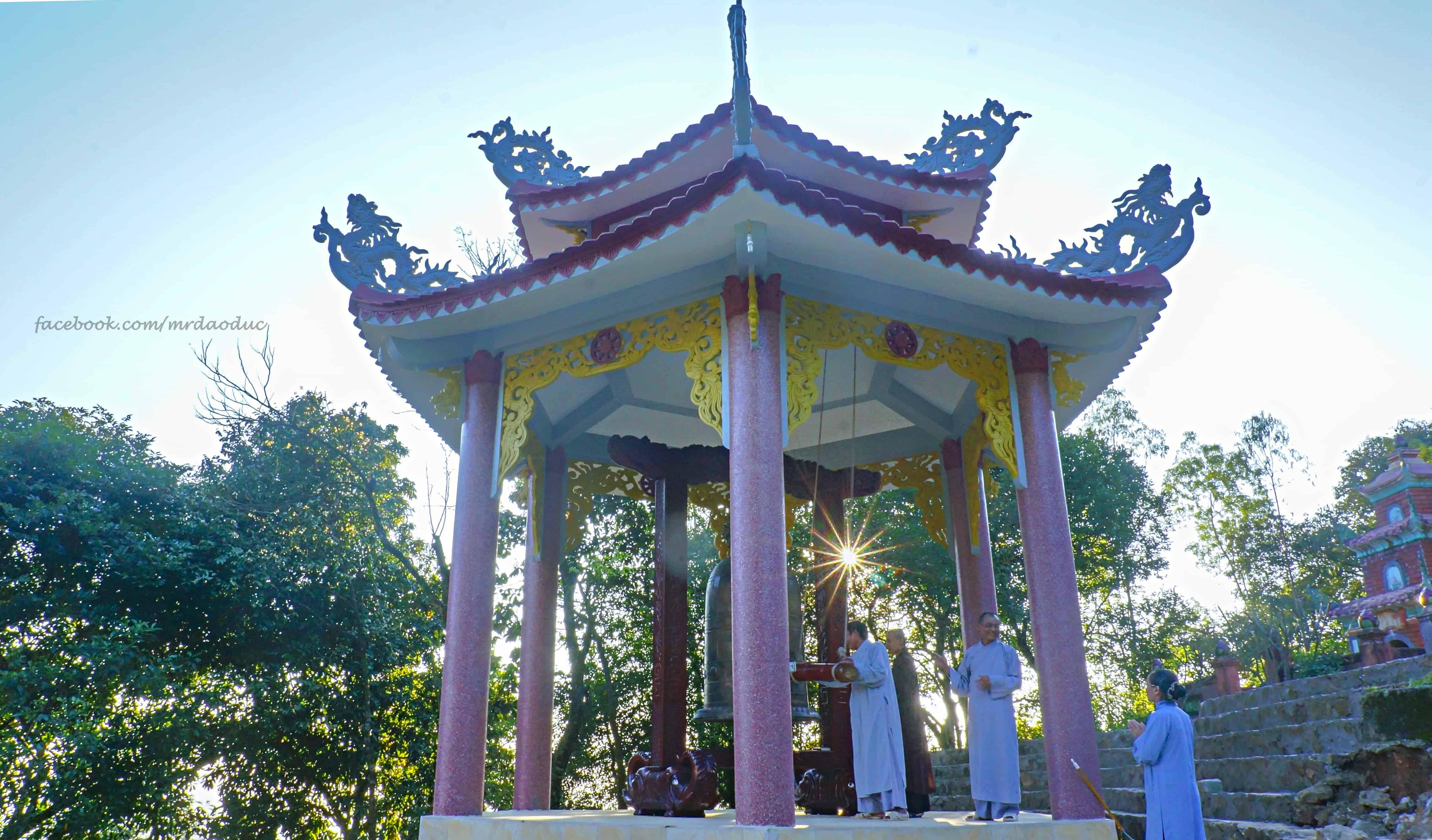 Chùa Hương Tích thuộc núi Hồng Lĩnh 02