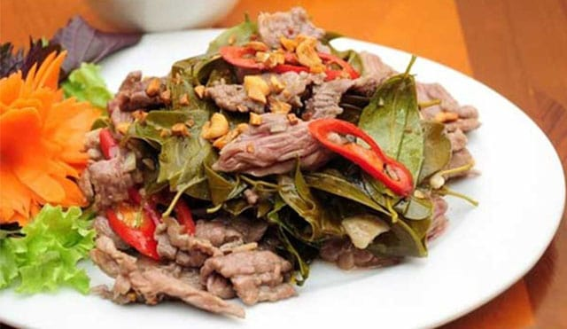 Món ăn đặc sản thịt trâu lá lồm ở Hòa Bình