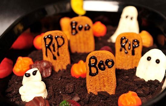 Món pudding nghĩa địa vô cùng kinh dị đêm Halloween