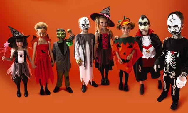 Halloween nên mặc gì