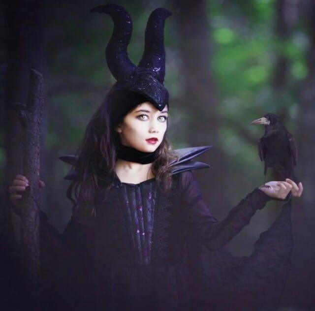 halloween mặc trang phục phù thủy