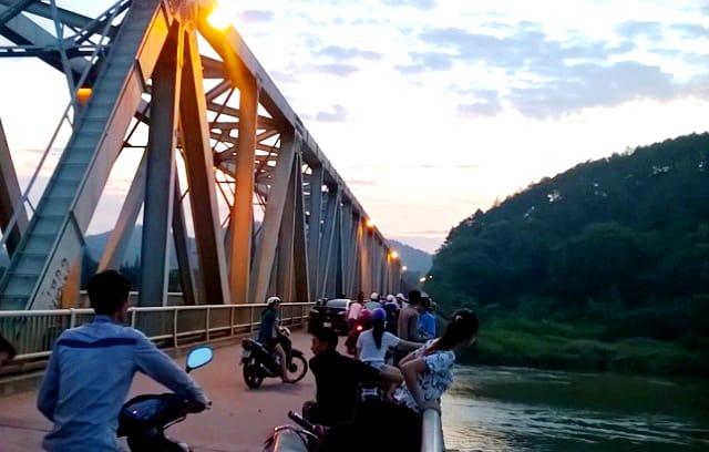 Cầu Hàm Rồng bắc qua sông Mã 01