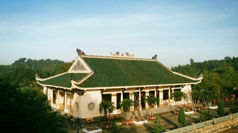 The roof of the Temple of Literature is green and looks very fancy
