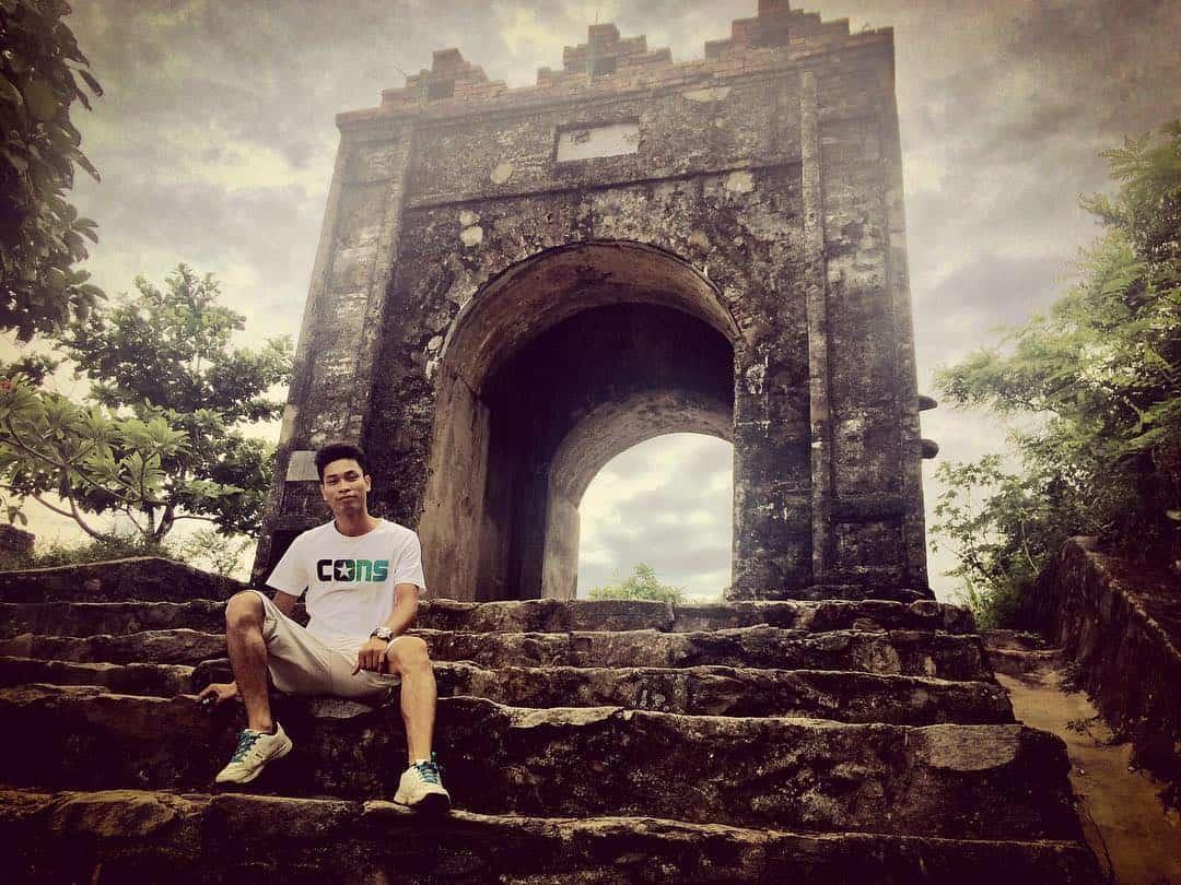 Hoành Sơn Quan nằm trên đỉnh đèo ngang