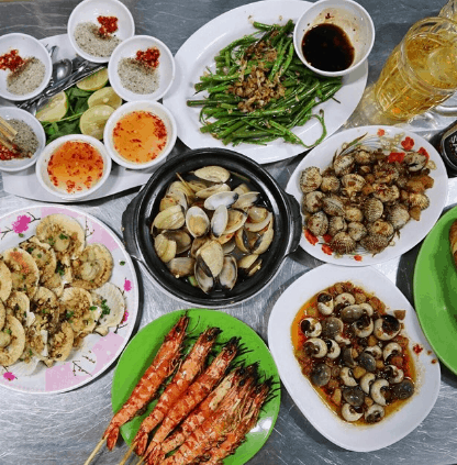 Quán ốc đêm Sài Gòn (Ảnh ST)