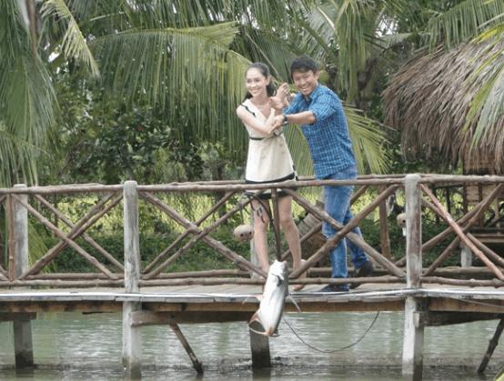 Tự mình câu cá ở vườn sinh thái Hoa Súng (Ảnh ST)