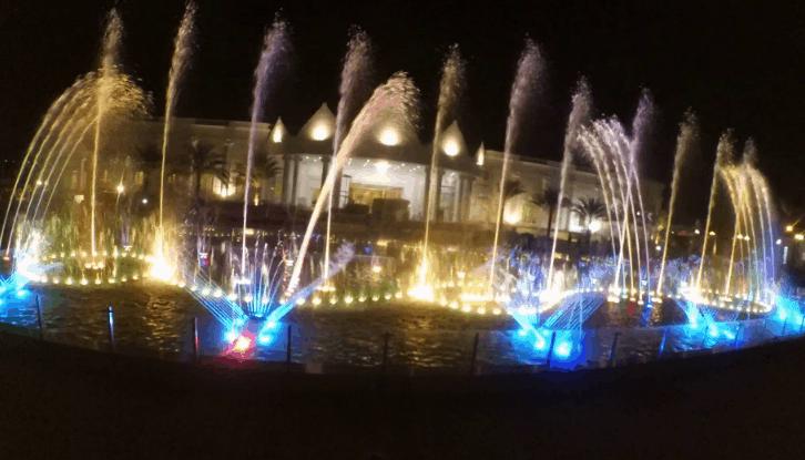 Nhạc nước ở biển Cần Thơ (Ảnh ST)