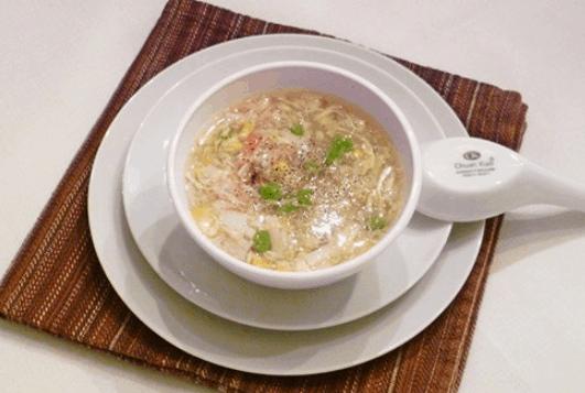 Súp cua là món ăn vặt dễ làm ở Sài Gòn (Ảnh ST)