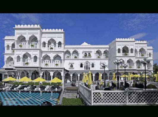 Tajmasago Castle - Khu nghỉ dưỡng tuần trăng mật ở Sài Gòn