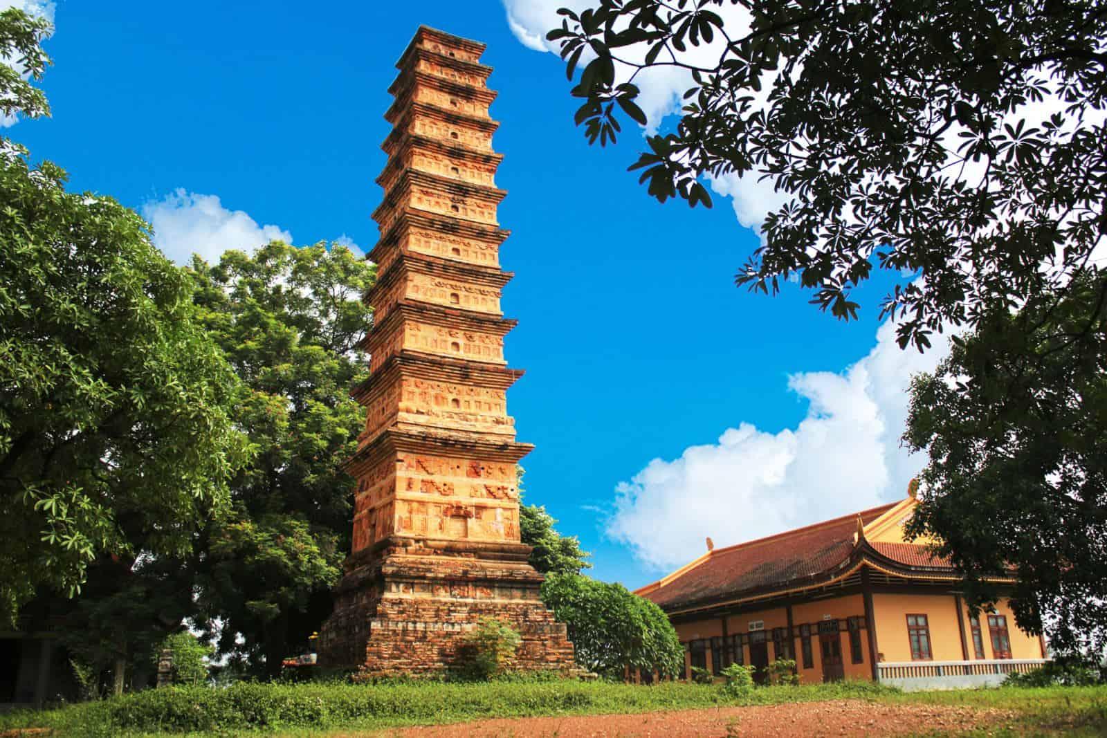 Tháp Bình Sơn - địa điểm du lịch ở Vĩnh Phúc