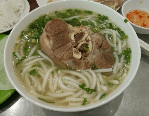 Món bánh canh giò heo ngon mê ly (Ảnh ST)