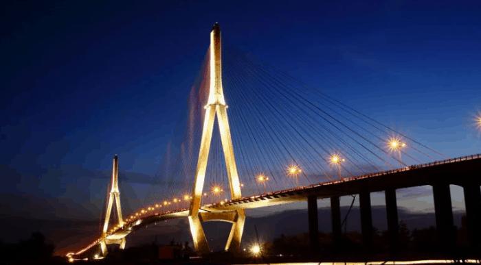 Vẻ đẹp về đêm của cầu Cần Thơ (Ảnh ST)