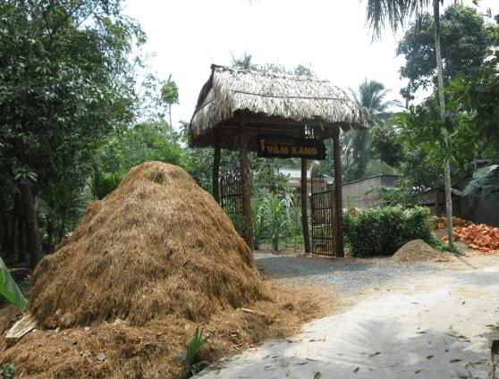 Con đường vào khu du lịch Vàm Xáng (Ảnh ST)