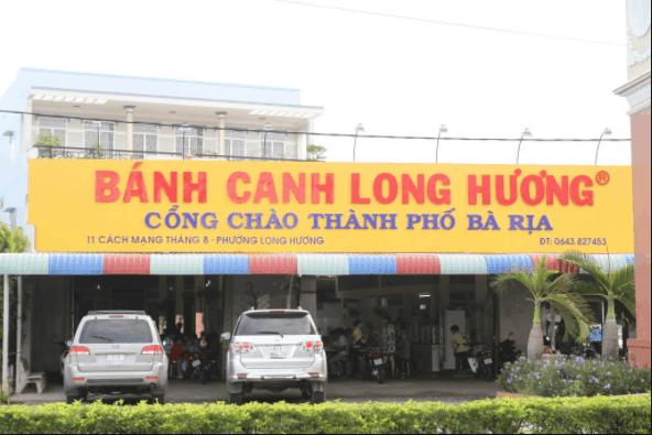 Bánh canh giò heo Long Hương là món ngon không thể bỏ qua ở Vũng Tàu