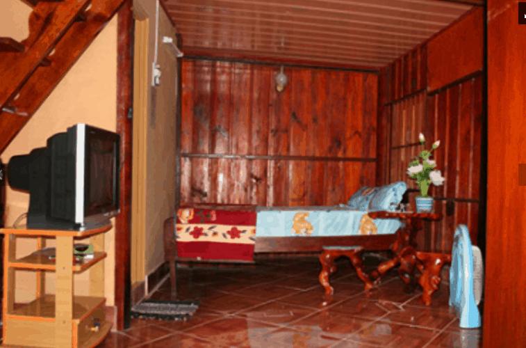 Phòng ngủ được thiết kế toàn bằng gỗ xịn