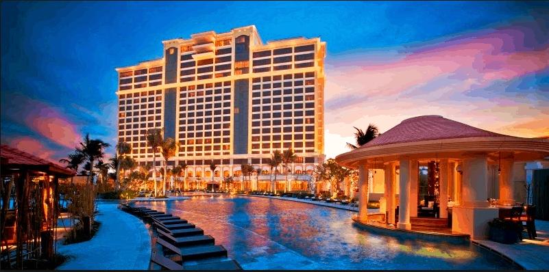 Resort lung linh vào ban đêm