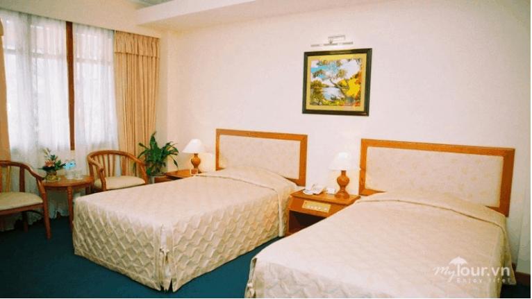 Phòng ngủ thiết kế gam màu ấm áp