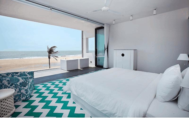 Phòng ngủ cửa kính nhìn thẳng biển cực đẹp