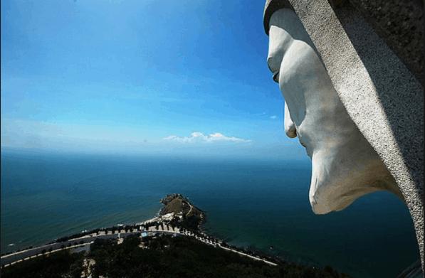 Từ cánh tay tượng chúa nhìn xuống Vũng Tàu