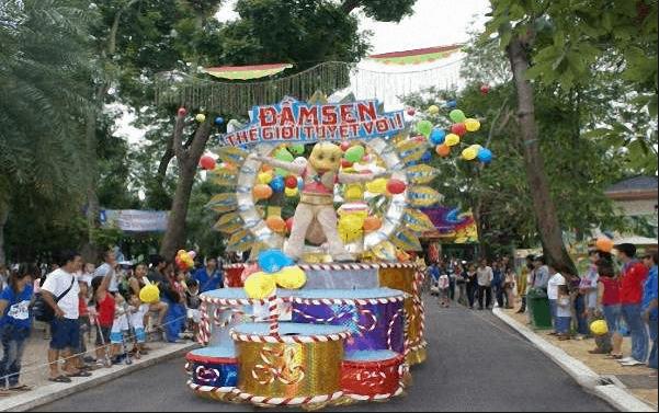 Đầm Sen là địa điểm vui chơi tuyệt vời dịp Tết dương lịch