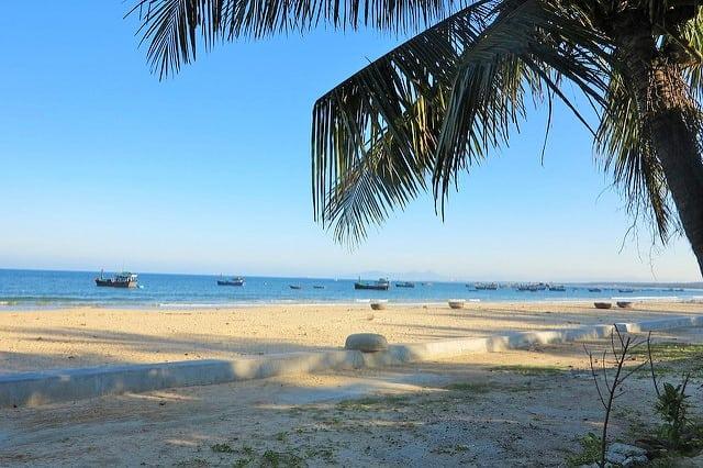Bãi biển Long Thủy (Ảnh: Sưu tầm)