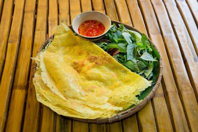 Bánh xèo (Ảnh: Làng Du lịch Tre Việt)