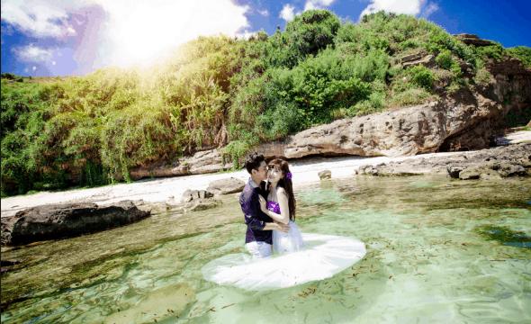 Couples will have beautiful wedding photos at Suoi Mo tourist area