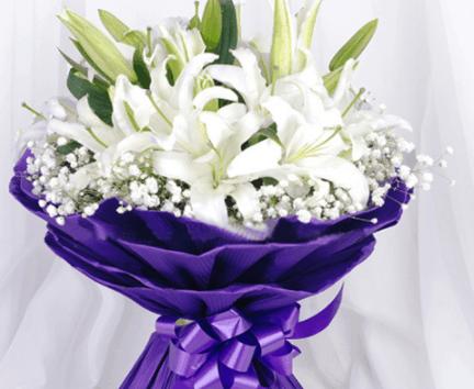 Bó hoa lily màu trắng đẹp