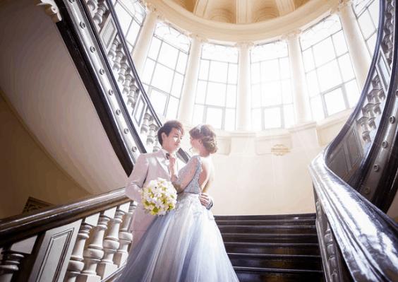 Romantic wedding photos at Ho Chi Minh City Museum