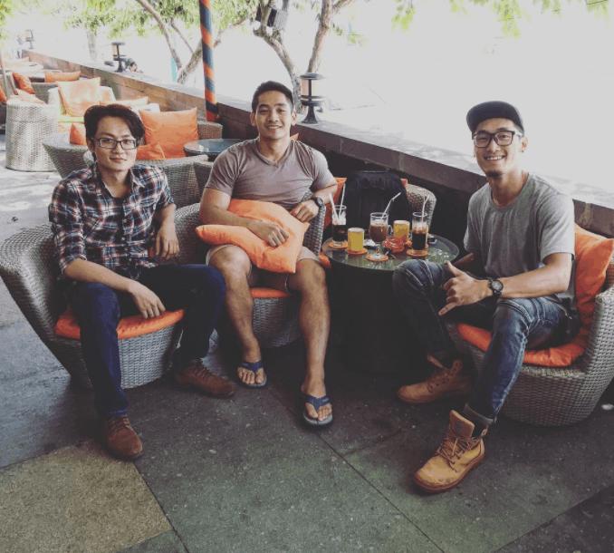 Cùng bạn bè check-in tại Seaside Cafe