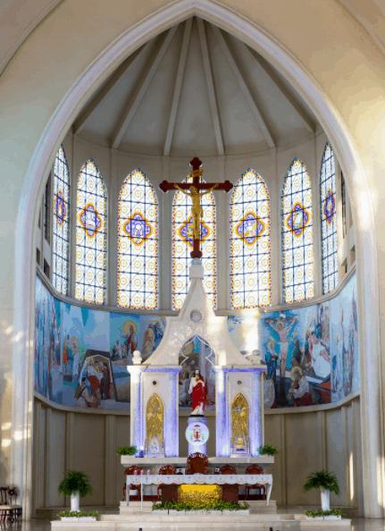 Gian phòng tổ chức lễ tại nhà thờ Phú Cường