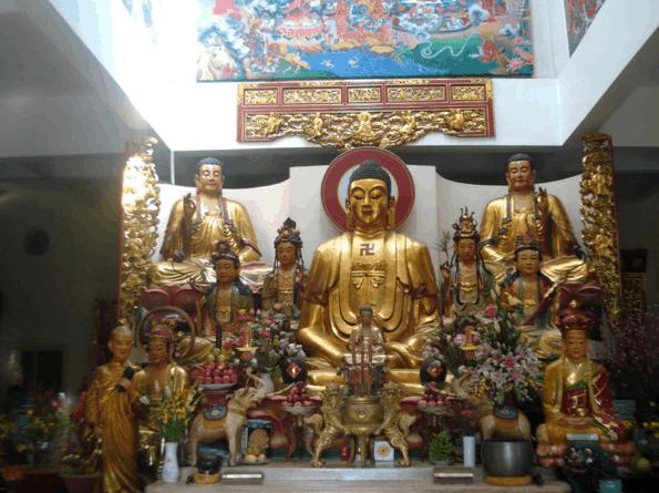 Hình ảnh chính điện tại chùa Tây Tạng - Bình Dương