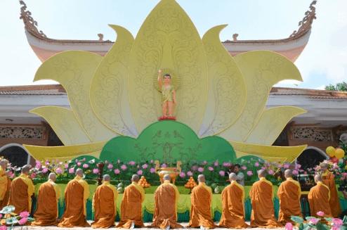 Hình ảnh đại lễ Phật Đản tại chùa Hoằng Pháp