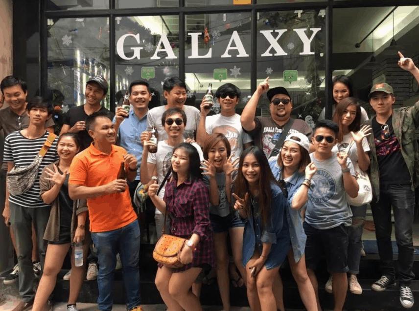 Hình ảnh du khách chụp ảnh tại nhà nghỉ Galaxy - Sài Gòn