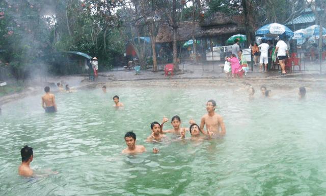 Hình ảnh suối khoáng nóng Bình Châu