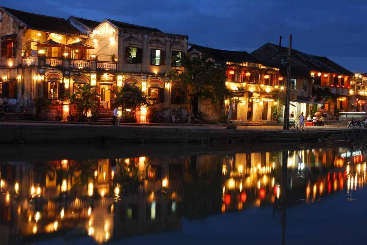 Khung cảnh bờ sông đầy thơ mộng tại Hội An - Quảng Nam. (Ảnh ST)