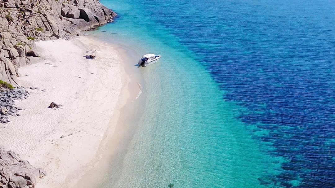 Biển xanh cát trắng của Hòn Cau
