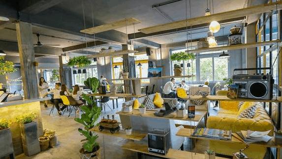 Không gian quán đẹp mắt tại cafe The Local