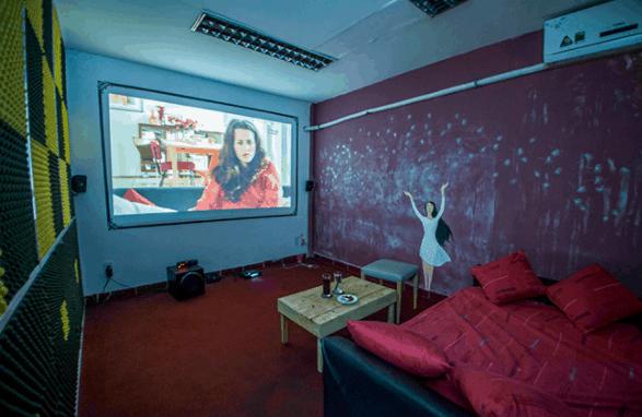 Không gian xem phim mới lạ tại Cafe HD Nhỏ Ơi