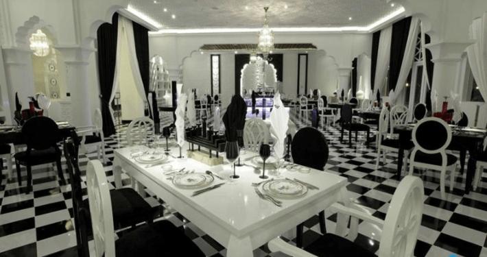 Khu nhà hàng sang trọng tại TajmaSago resort