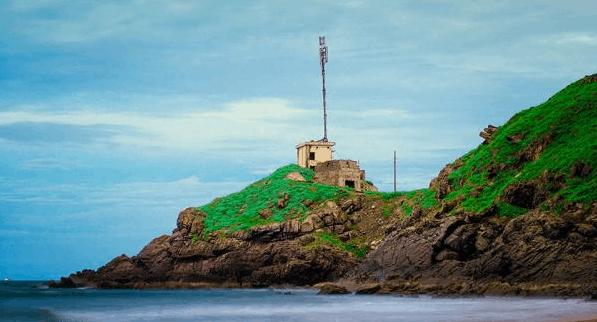 Khung cảnh yên bình, hoang sơ tại bãi Vọng Nguyệt