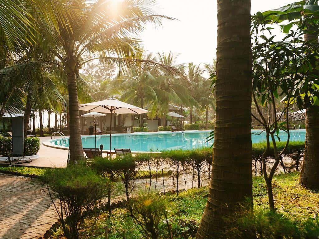 Khách sạn gần đầm Lập An 05