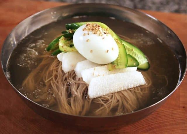 Những món ăn nổi tiếng nhất định phải thử khi du lịch Hàn Quốc (Ảnh: ST)