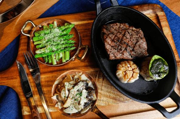 Thưởng thức món thịt nướng châu Âu vô cùng ngon miệng
