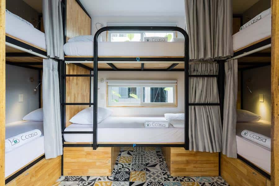 Các phòng dorm với giường sạch sẽ, thoải mái, tiện nghi (Ảnh: ST)