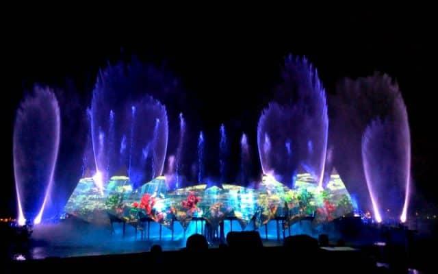 Thời gian biểu diễn nhạc nước từ 19h - 19h25 và 20h - 20h25 (ảnh sưu tầm)