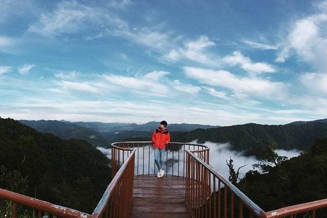 """Từ tháng 10 đến tháng 2 là thời điểm thích hợp để """"săn mây"""" tại Đỉnh Quế (Ảnh: Sưu tầm)"""