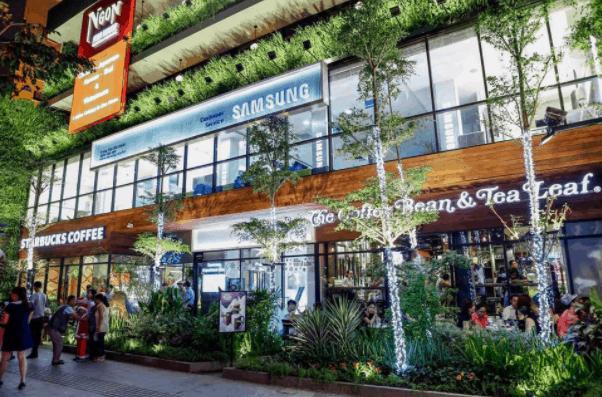 """Saigon Garden - Khu phố ăn chơi """"sang chảnh"""" trên đường Nguyễn Huệ"""
