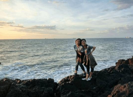 Thỏa sức chụp ảnh trên những bãi đá nhô ở Vọng Nguyệt